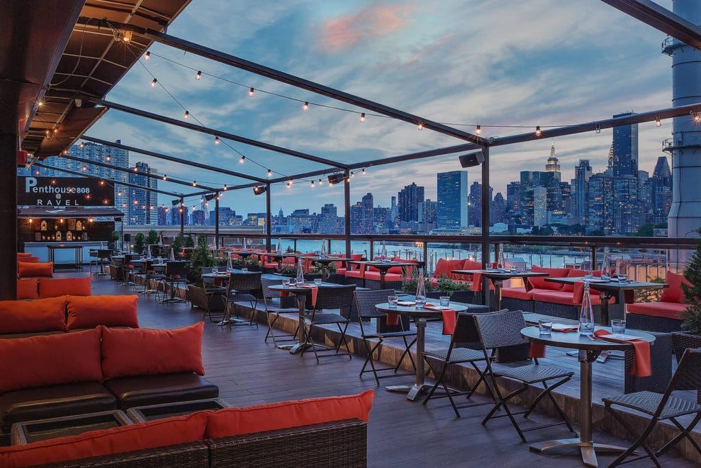 best bars in NYC - Penthouse 808