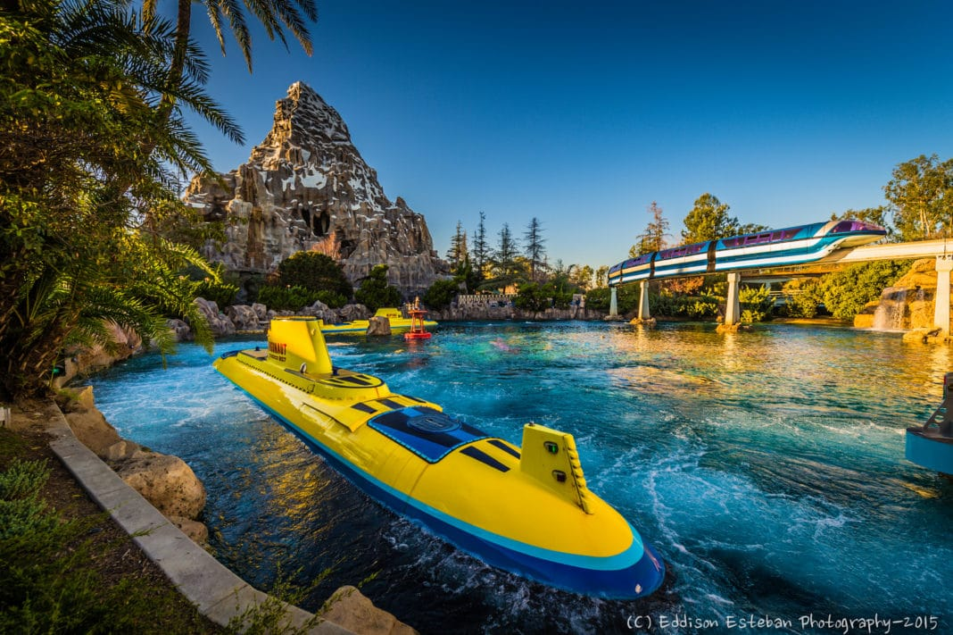 the best disneyland rides to get on right now trekbible. Black Bedroom Furniture Sets. Home Design Ideas