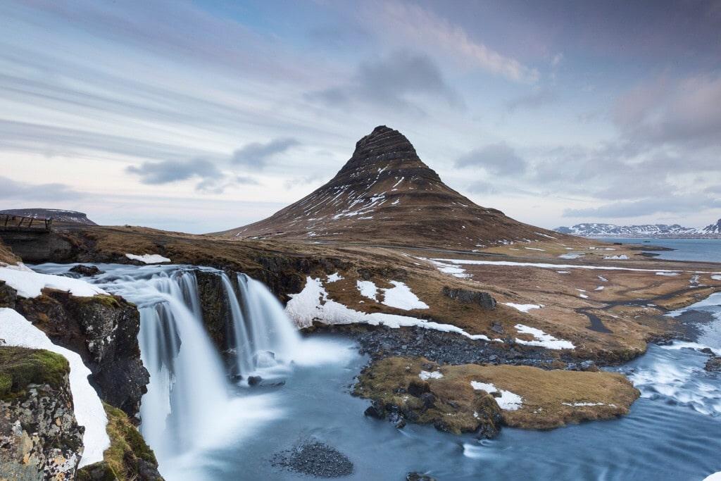 famous mountains - Kirkjufell