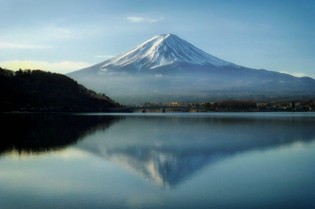 famous mountains - Mount Fuji