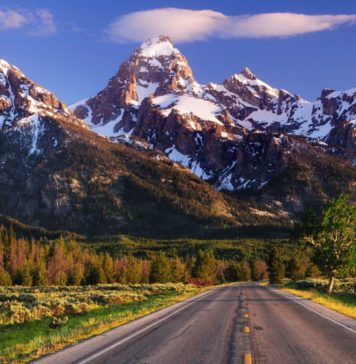 trekbible, grand teton, wyoming, adventure, outdoors, skiing, spa resorts, mountains, hiking, camping, winter travel, fall travel, ski resorts, lodging