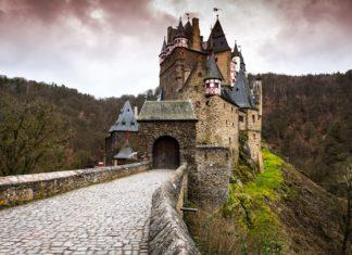 trekbible, germany, Wierschem, travel germany, europe, hiking, forest, travel, oktoberfest, adventure, castles, historical, medieval,