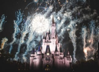 ultimate disney christmas package, christmas package, christmas, holidays, holiday specials, chritsmas specials, disney world, disney, disney christmas, events, attractions, theme parks, trekbible, vacation, travel, family, family travel, family vacation