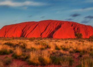 Australia, visit Australia, Uluru, travel, trekbible, adventure, hiking, national parks, natural attractions, Visit Australia