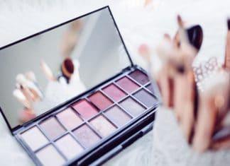 how to organize makeup, diy makeup organizer, makeup storage ideas, makeup organizer ideas, how to organize makeup, makeup organization, organize makeup, diy makeup brush holder