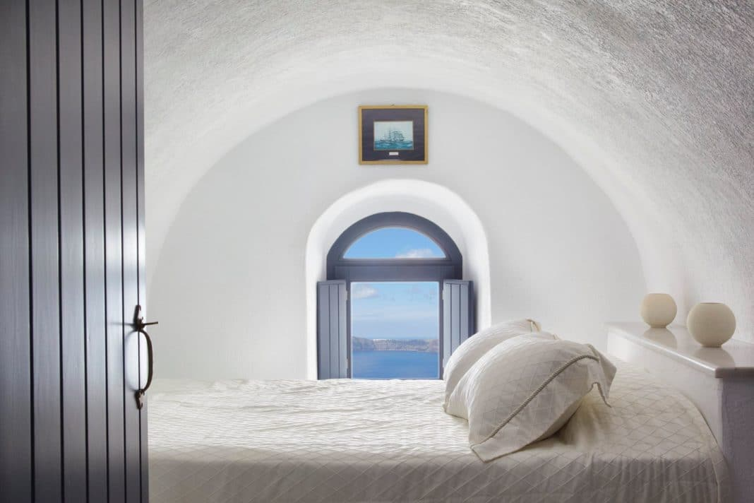 hotels in santorini - Homeric Poems