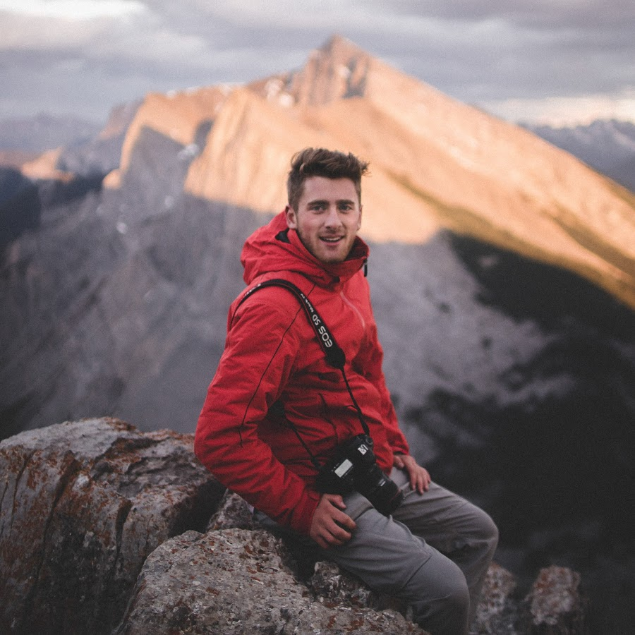 travel bloggers - Emmett Sparling