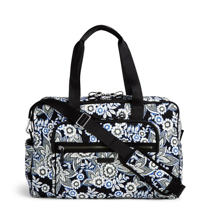 37cc0e988ebd Vera Bradley Iconic Weekender Travel Bag Features and Benefits