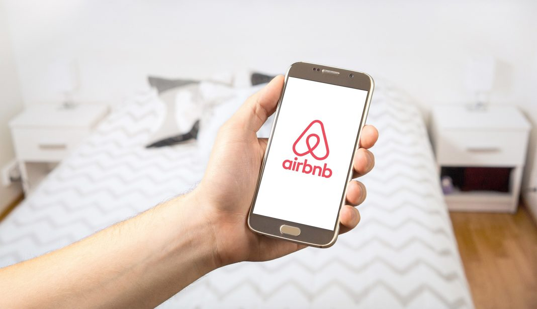 best travel apps - Airbnb