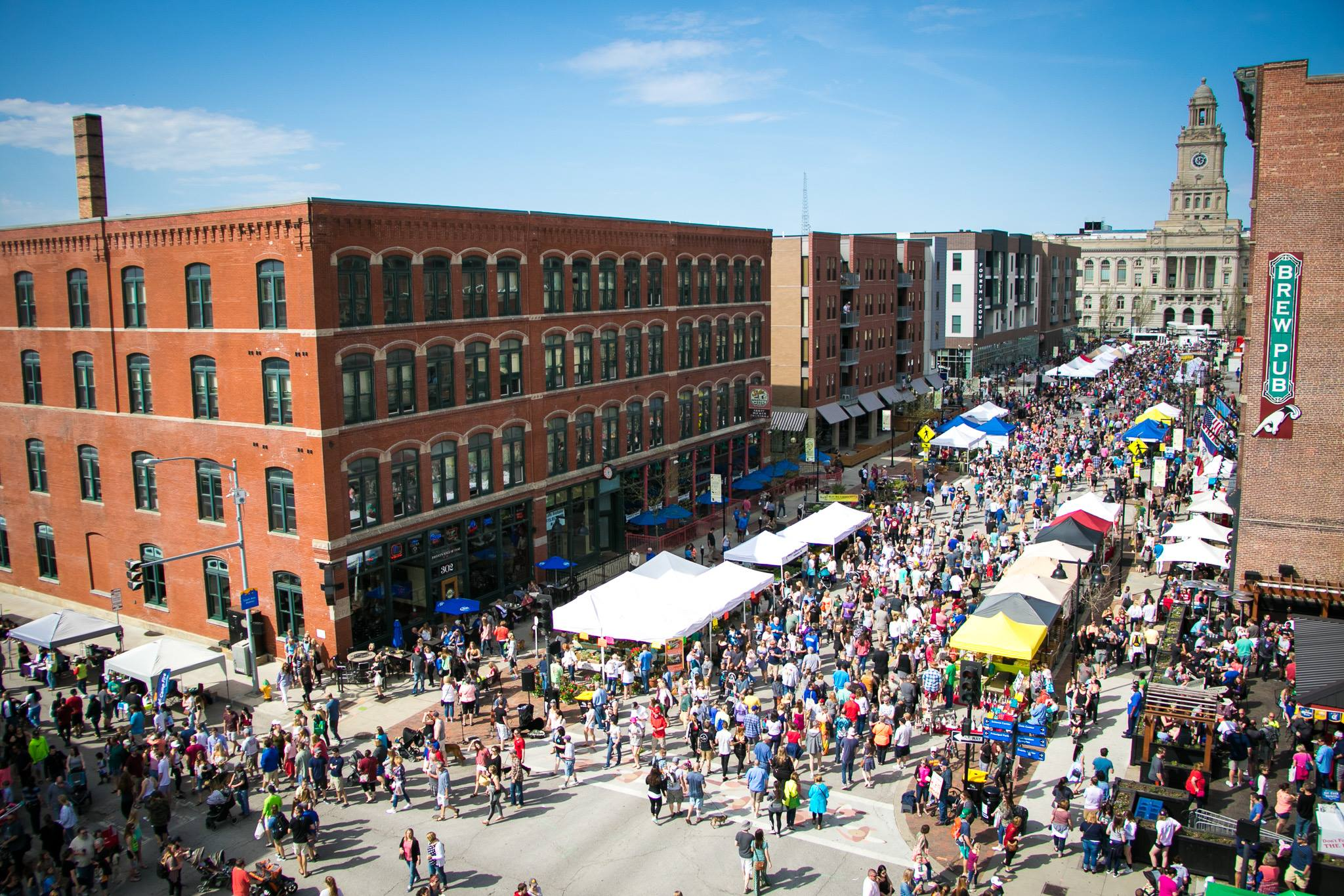 things to do in Iowa - Des Moines Farmers' Market