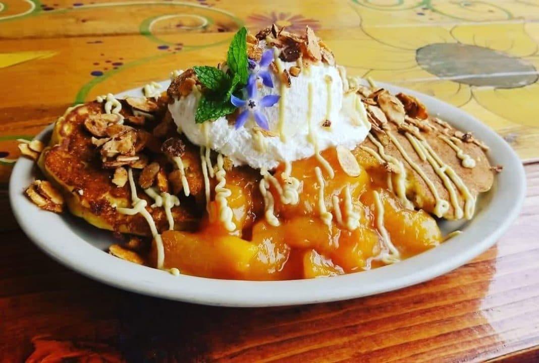 10 Lucky S Cafe Cleveland Best Restaurants