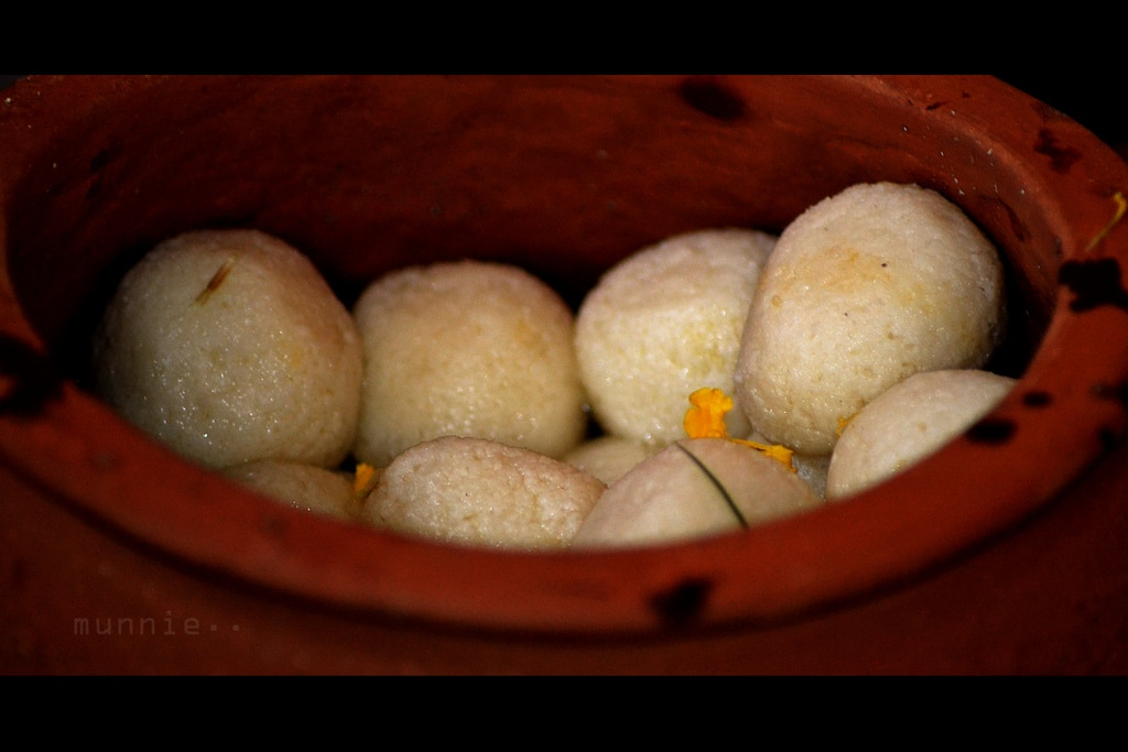 Indian desserts - Rasgulla/Rasgolla