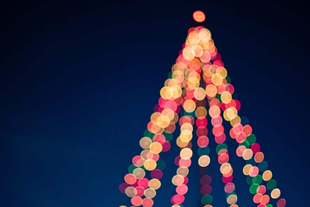 Drive Through Christmas Lights Near Me.Tim Mossholder 168610 Unsplash Trekbible