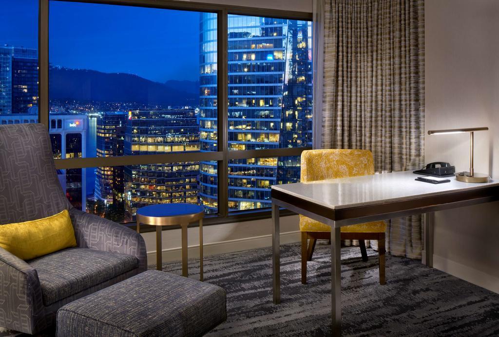 where to stay in Vancouver - Hyatt Regency Vancouver
