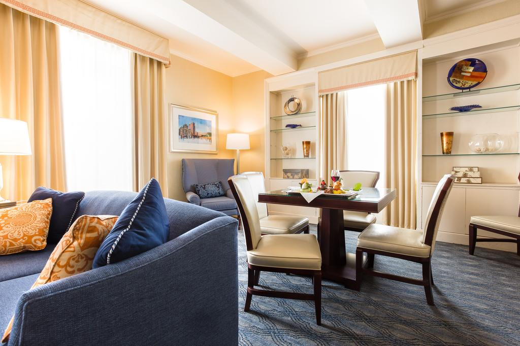 best hotels in Providence - Biltmore Curio