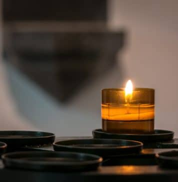 travel candles, travel trends, travel intel