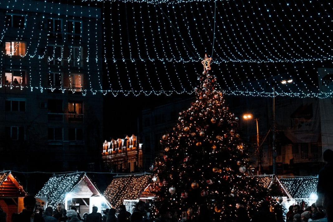 Portland, festival of lights, holiday lights, christmas, holiday travel