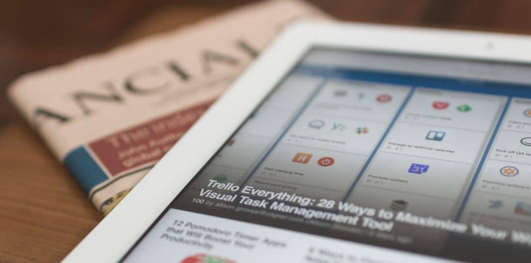 digital nomad jobs - copywriter