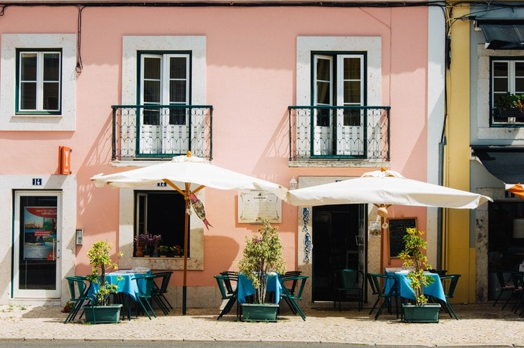 lisbon, things to do in lisbon, yellow tram, 28 tram, portugal, lisbon city guide