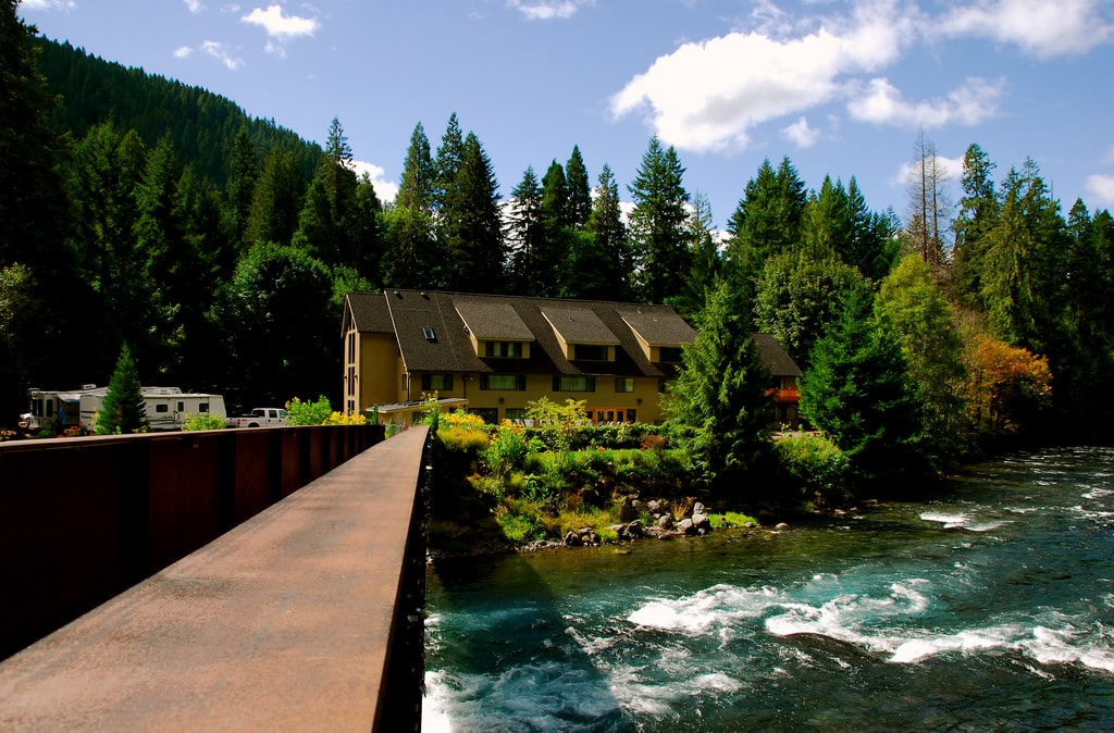 best hot springs in oregon - Belknap Hot Springs