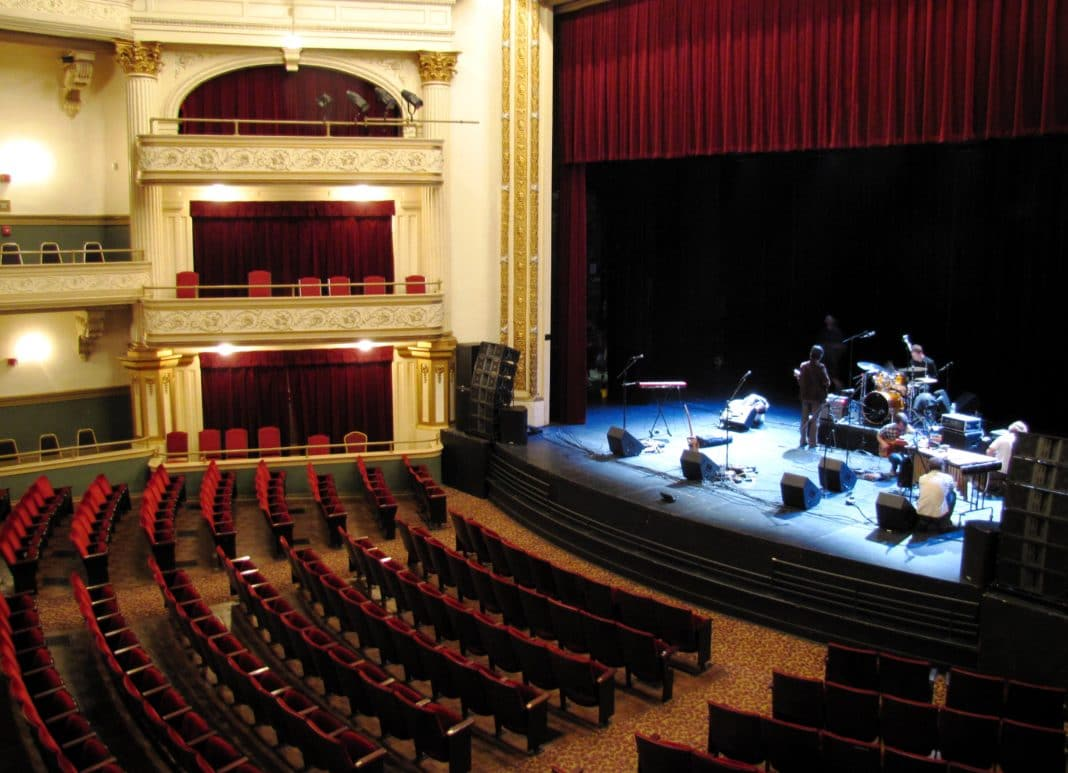 things to do in Knoxville - Tennessee Theatre