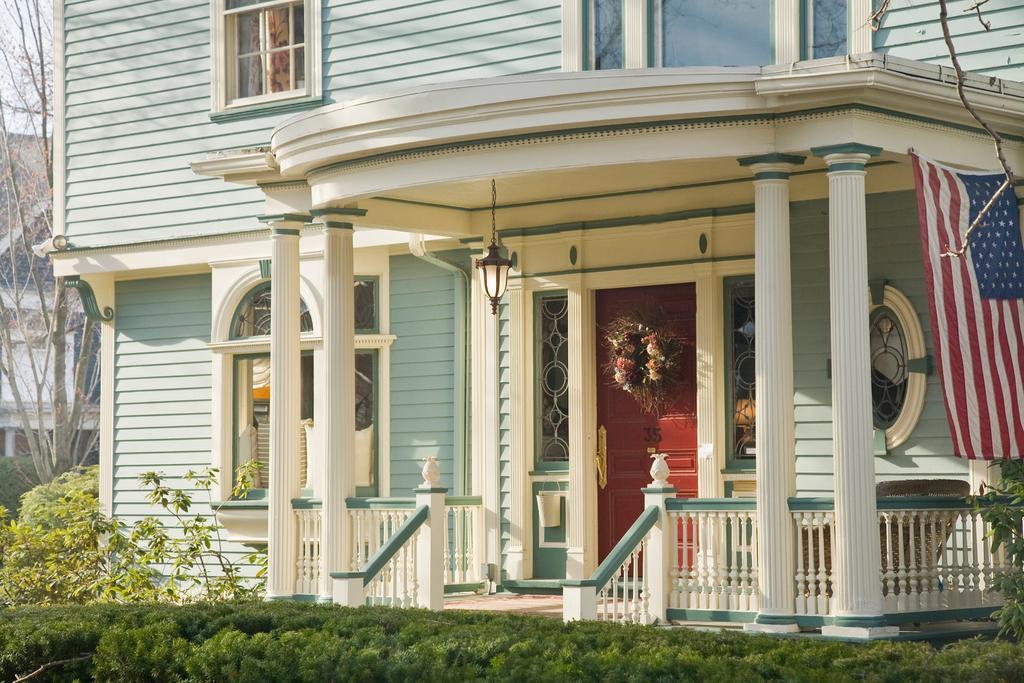 romantic getaways in NY - Rochester: Edward Harris House