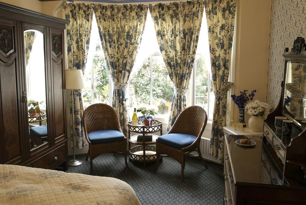 best hotels in San Francisco - Golden Gate Hotel