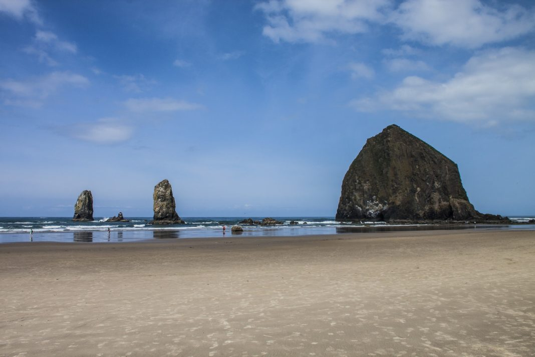best places to visit in oregon - Cannon Beach
