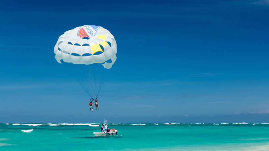 things to do in Destin - Go Parasailing