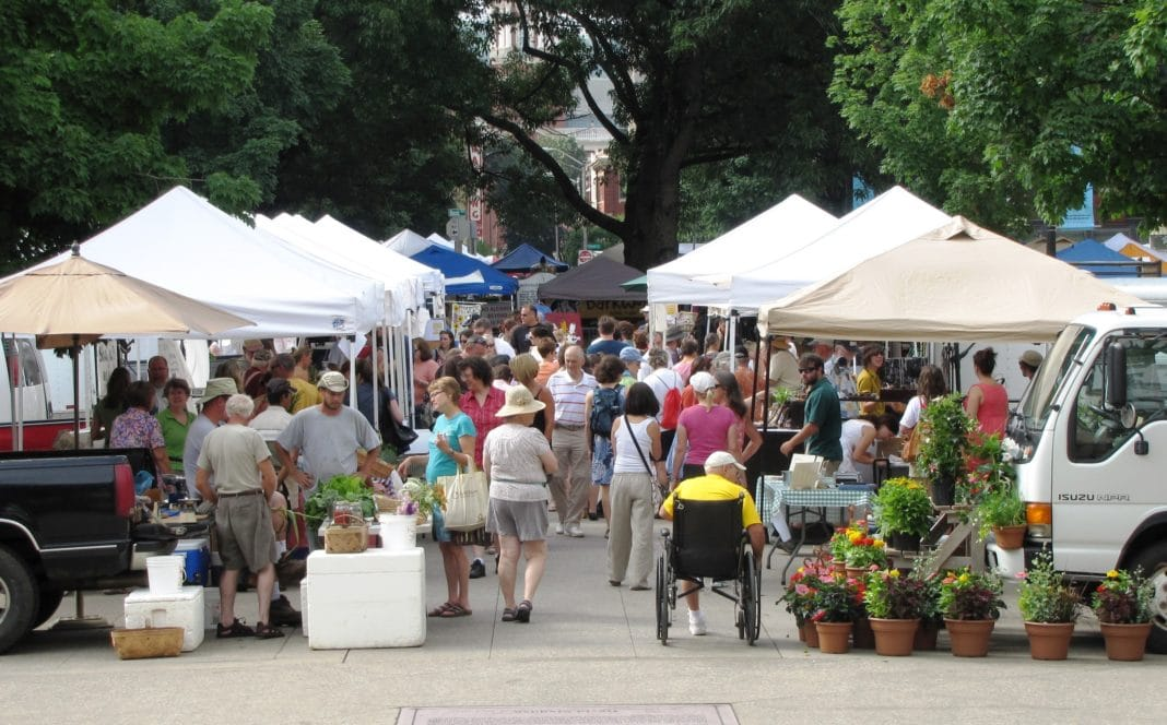 things to do in Knoxville - Farmers Market