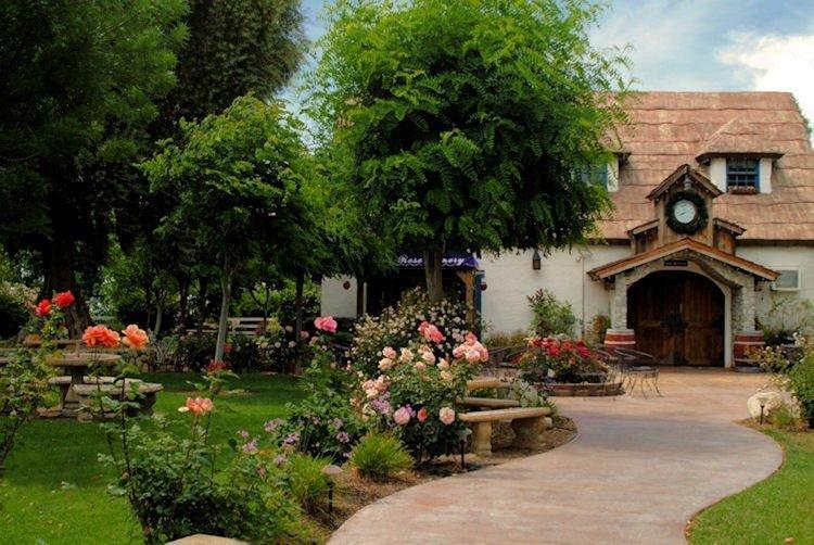 best wineries in Temecula - Briar Rose Winery